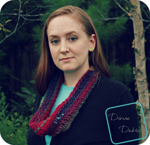 Katie Cowl version 2 crochet pattern by DivineDebris.com