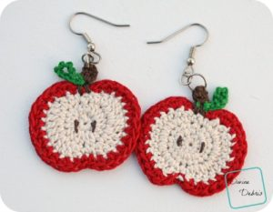 Apple Earrings free crochet pattern by DivineDebris.com