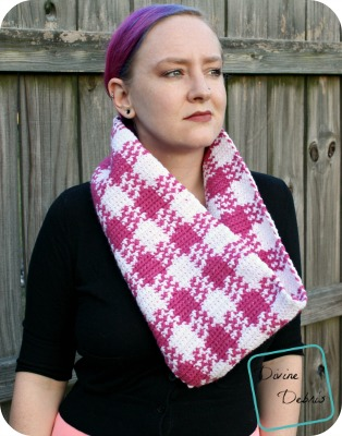 The Laura Cowl Scarf free crochet pattern by DivineDebris.com