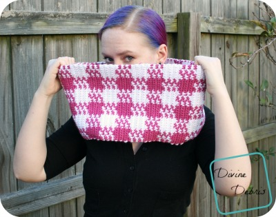 Charity Scarf – Laura Gingham Cowl