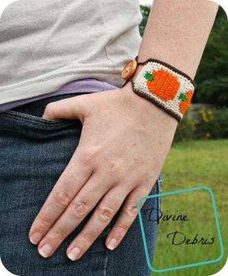Pumpkin Bracelet free crochet pattern by DivineDebris.com