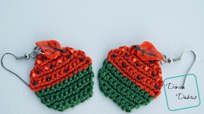 Free Crochet Cupcake Earrings pattern by DivineDebris.com