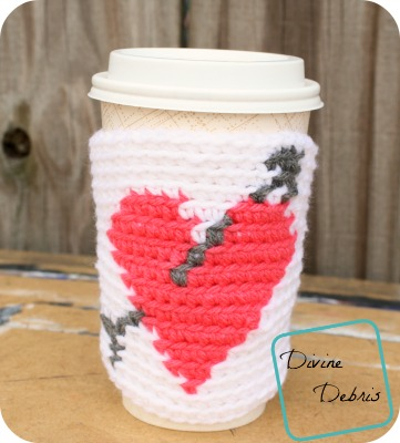 Heart Mug Cozy crochet pattern by DivineDebris.com