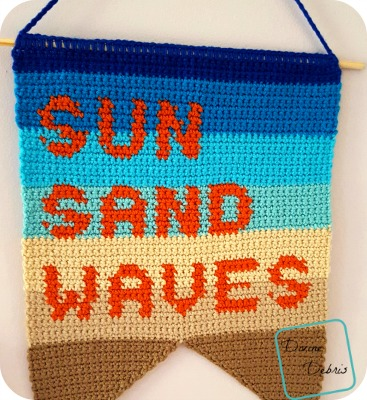 Sun, Sand, and Waves wall hanging free crochet pattern by DivineDebris.com