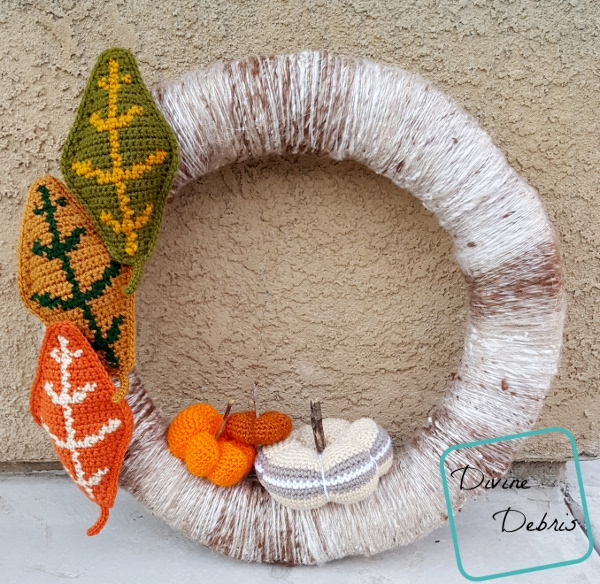 Simple Fall Wreath free crochet pattern by DivineDebris.com