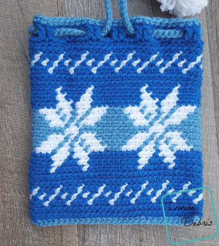 Dancing Snowflakes Drawstring Gift Bag free crochet pattern by DivineDebris.com