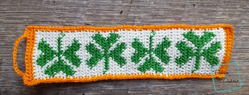 Shamrock Bracelet free crochet pattern by DivineDebris.com