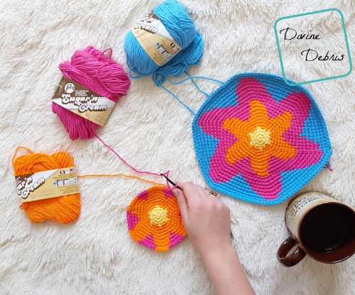 Starburst Purse free crochet pattern by DivineDebris.com