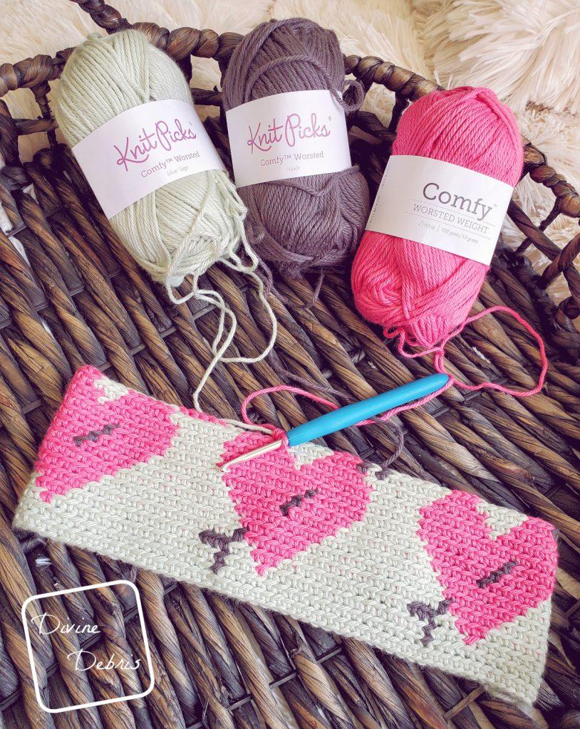 Love Struck Beanie free crochet pattern by DivineDebris.com