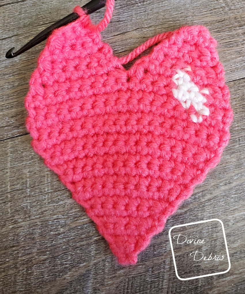Learn to make the Sweetheart Ami or Earrings from a free crochet pattern on DivineDebris.com